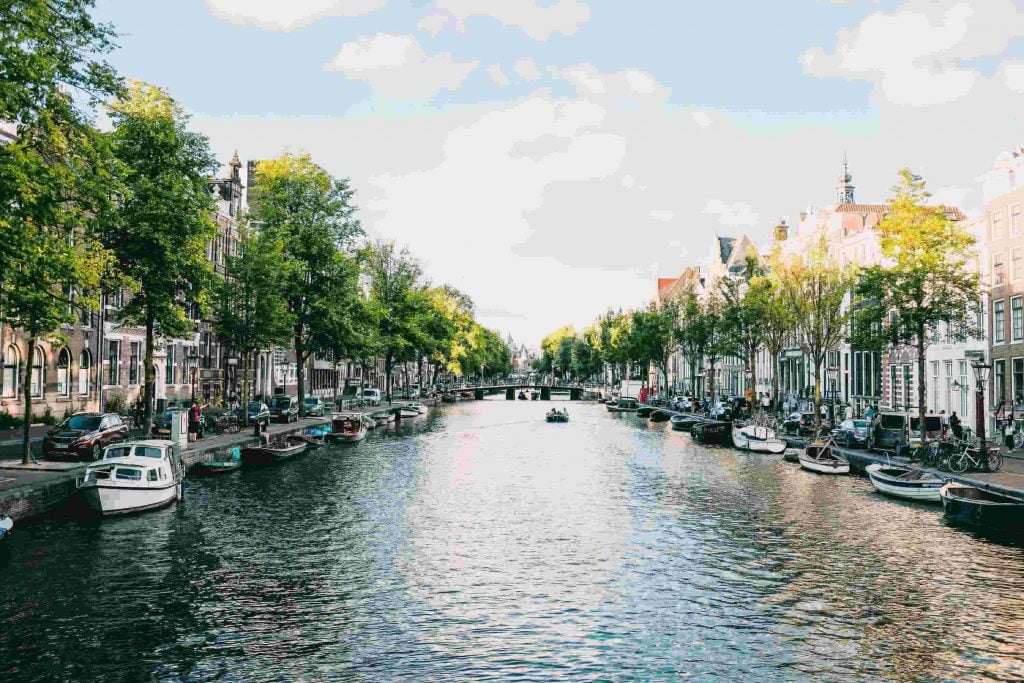 top 5 best solo travel destinations