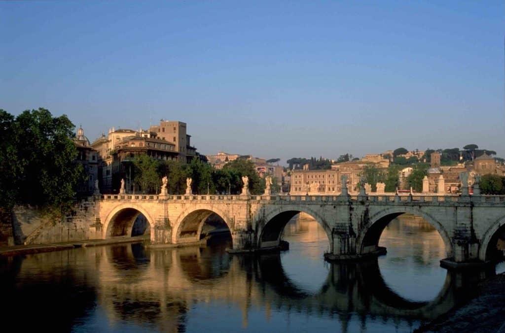 Ancient bridges in Italy: Ponte Sant'Angelo