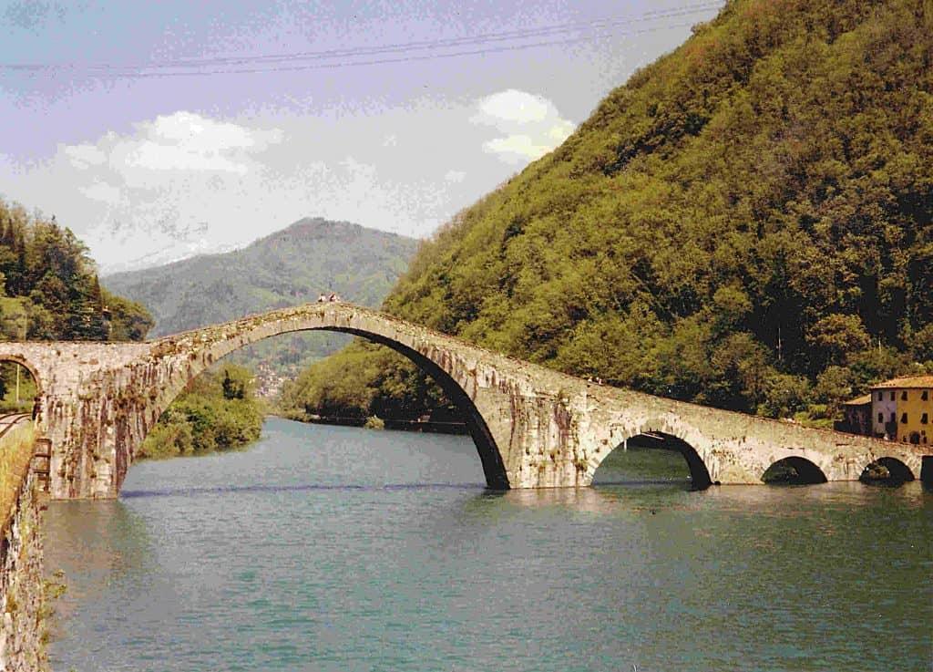 Ancient bridges in Italy: Ponte della Maddalena