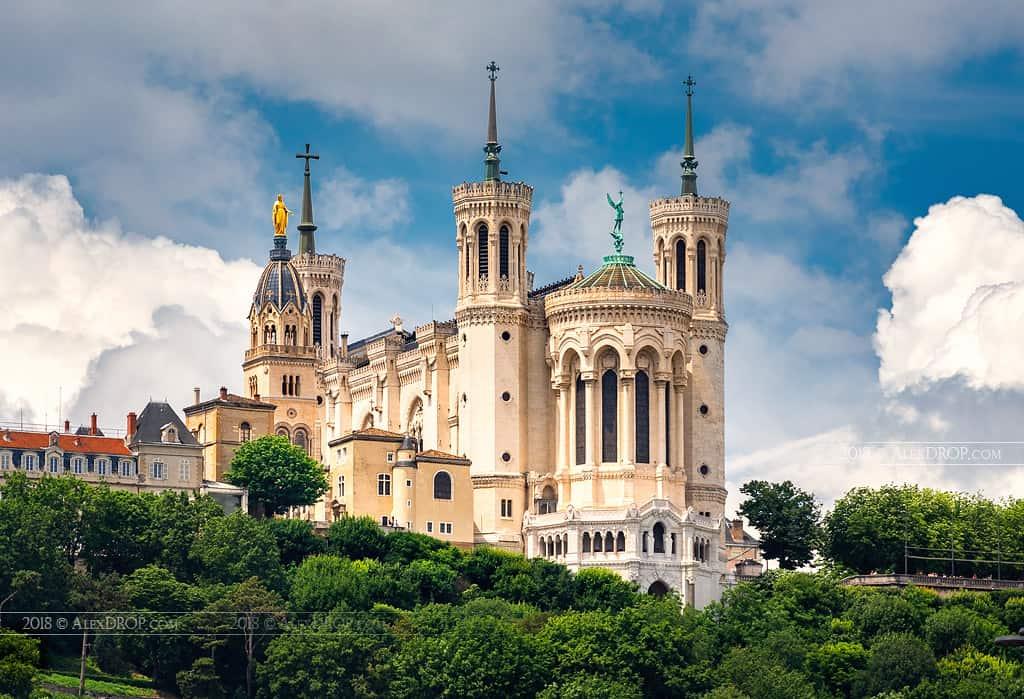 cheap things to do in Lyon, Basilica